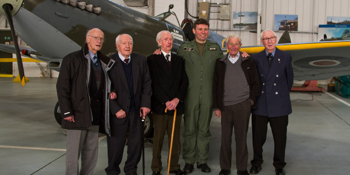 Spitfire veterans with BBMF Spitfire Mk IX MK356