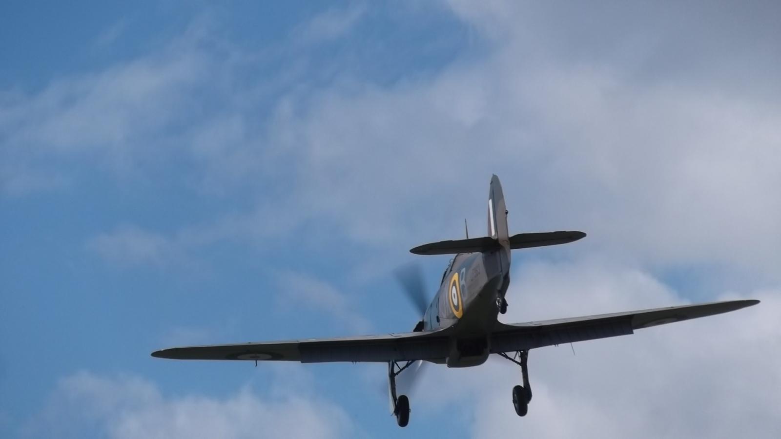 Hurricane IIC LF363 Landing at Goodwood