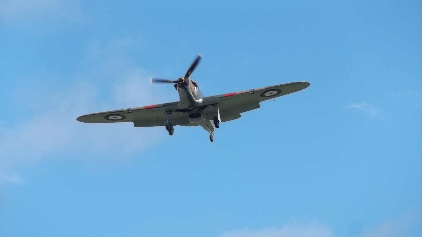 LF363 Landing at Goodwood 15 Sept 2015